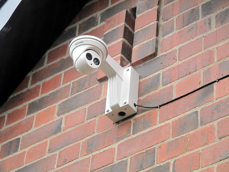 montaggio telecamere esterno